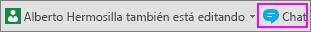Botón Chat que aparece junto a la notificación que le informa de qué otros usuarios están realizando tareas de edición