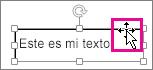 Cursor situado en el borde de un cuadro de texto que adopta la forma de una flecha con cuatro puntas