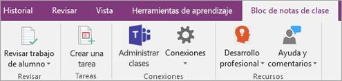 Pestaña Bloc de notas de clase en la cinta de opciones de OneNote que muestra el botón Administrar clases de equipos.