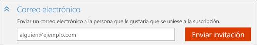 """Captura de pantalla con un primer plano de la sección """"Correo electrónico"""" del cuadro de diálogo """"Agregar a alguien"""" con el botón """"Enviar invitación""""."""