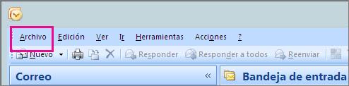 En Outlook 2007, elija la pestaña Archivo.
