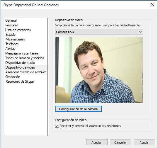 Captura de pantalla de la página Dispositivos de vídeo del cuadro de diálogo Opciones de Skype Empresarial.