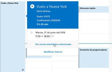 Tarjeta de viaje que se muestra en el Calendario de Outlook