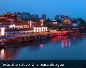 Una imagen con texto alternativo generado automáticamente en el borde inferior de la imagen en Word para Windows.