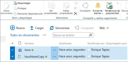 Sección de edición de la cinta de opciones con dos elementos seleccionados en una lista