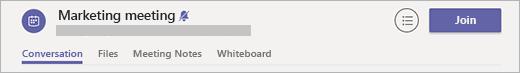 Un chat de reunión con un botón Unirse en el encabezado