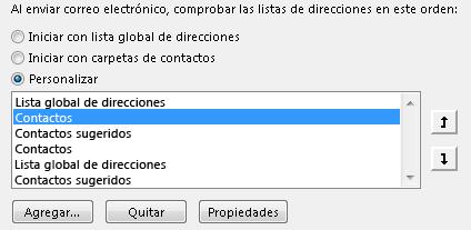 Puede definir el orden en que Outlook obtiene acceso a sus libretas de direcciones mediante las flechas.