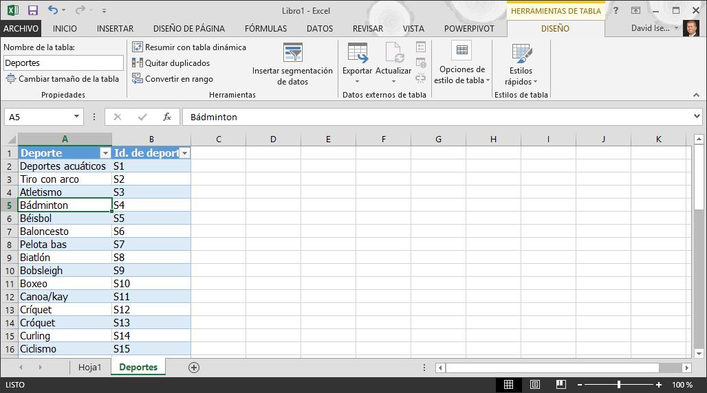 Nombrar una tabla en Excel
