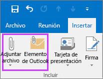 En la pestaña Archivo, haga clic en Adjuntar archivo o elemento de correo electrónico.