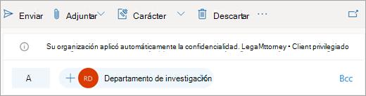 Captura de pantalla de una sugerencia sobre una etiqueta de confidencialidad aplicada automáticamente