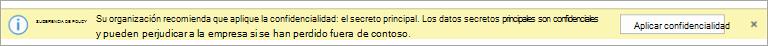 Captura de pantalla de una sugerencia de directiva para una etiqueta de confidencialidad recomendada