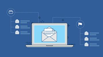 Página de título de la infografía para una bandeja de entrada bien organizada: un portátil con un sobre abierto en la pantalla