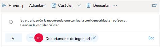 Captura de pantalla de una sugerencia sobre una etiqueta de confidencialidad recomendada