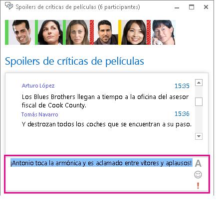 Captura de pantalla que muestra el mensaje con la fuente cambiada y un emoticono agregado
