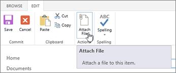 Editar ficha de cinta de opciones con adjuntar archivo resaltado.