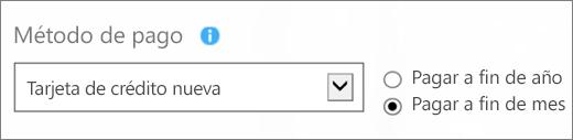 """Captura de pantalla de la sección """"Método de pago"""" de la página """"¿Cómo quiere pagar?"""", con las opciones """"Nueva tarjeta de crédito"""" y """"Pago mensual"""" seleccionadas."""