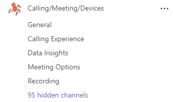 Un equipo llamado llamadas/reuniones/dispositivos tiene canales de información general, información sobre las opciones de las reuniones y registro. Otros canales están ocultos.