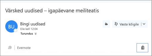 """Kuvatõmmis ühe meilisõnumi ülaservast, kus on näha esile tõstetud ikoon """"Pood"""". Ikooni klõpsamisel avatakse aken """"Outlooki lisandmoodulid"""", kus saate lisandmooduleid sirvida ja installida."""