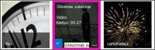 Videoteegi kuvatõmmis. Kahel teegis leiduval videol on videosisu pisipildid, ühel pildil on aga üksnes filmilinti kujutav illustratsioon.
