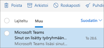 Viestien arkistoiminen Outlookin verkkoversiossa