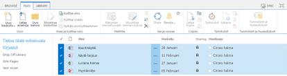 SharePoint-tiedostokirjasto, jossa on valittuna useita uloskuitattavia tiedostoja