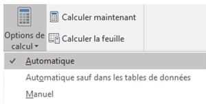 Vérifiez que l'option Calcul est définie sur Automatique.  Dans l'onglet Formule, accédez à Options de calcul.