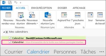Un calendrier partagé apparaît dans la liste des dossiers d'Outlook