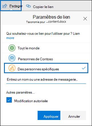 Seuls les fichiers partagés avec des personnes spécifiques seront retournés par une requête searcj qui utilise la propriété SharedWithUsersOWSUser