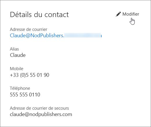 Volet Détails du contact avec une icône de main pointant sur le lien Modifier.