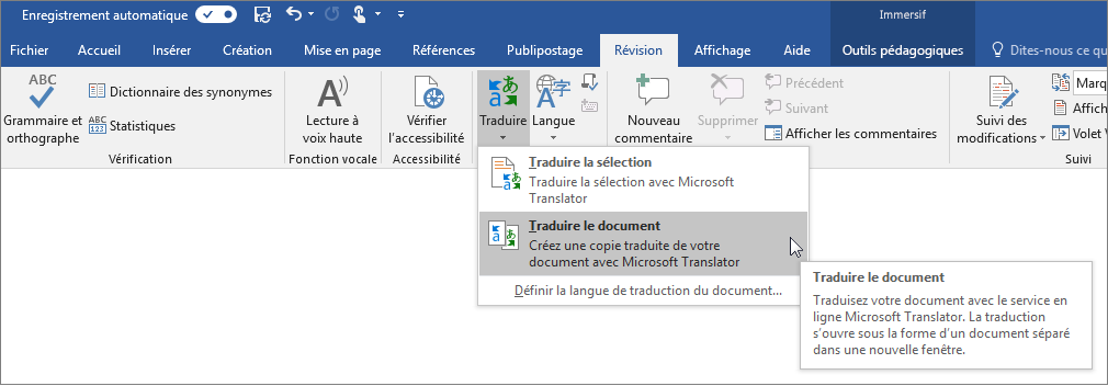 Ruban Word avec l'option Traduire le document affichée
