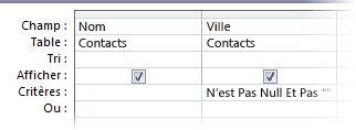 concepteur de requêtes avec les critères pour le champ Ville non null et non vide.