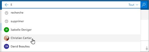 Capture d'écran de contacts suggérés dans les résultats de recherche