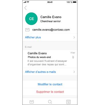Page de contact avec un Contact à supprimer en texte rouge