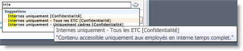 Un texte explicatif permet aux utilisateurs de sélectionner le terme correct.