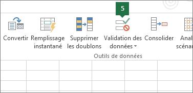 Validez la liste déroulante en cliquant sur Données > Validation de données dans Excel
