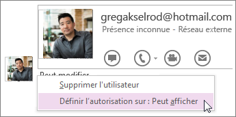 Vous pouvez modifier les autorisations et contrôler les utilisateurs pouvant afficher et modifier votre bloc-notes.