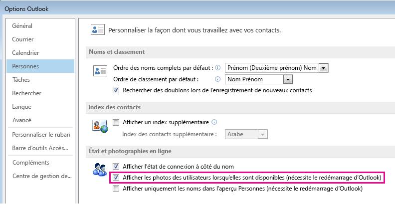 Capture d'écran de la fenêtre Options d'Outlook avec la case à cocher Afficher les photos activée