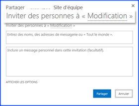 Capture d'écran de la boîte de dialogue de partage de site d'équipe, avec le message d'invitation mis en surbrillance. On voit également la zone de texte où l'on ajoute les noms d'utilisateurs