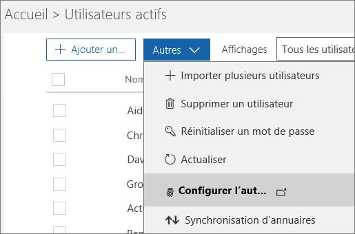 Menu Autres de la page Utilisateurs actifs, avec l'option Configurer Azure Multi-Factor Authentication sélectionnée.