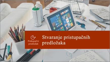 Stolni programa sustava office s prijenosno računalo i radova strewn na njoj