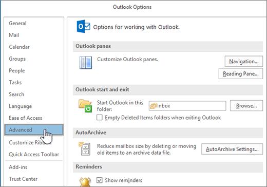 Az Outlook beállításai, a Speciális kategória van kijelölve