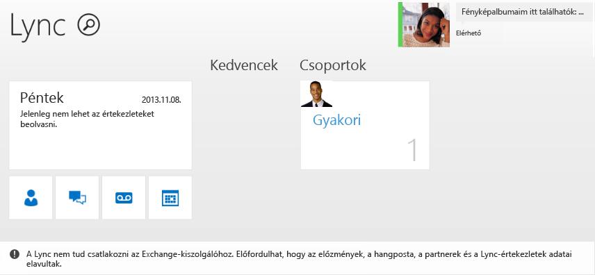 Képernyőkép a hibáról: A Lync nem tud csatlakozni az Exchange-kiszolgálóhoz. Előfordulhat, hogy az előzmények, a hangposta, a partnerek és a Lync-értekezletek adatai elavultak.