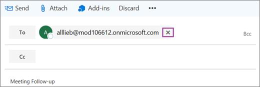 Cuplikan layar memperlihatkan baris kepada dalam pesan email dengan opsi untuk menghapus alamat email penerima.