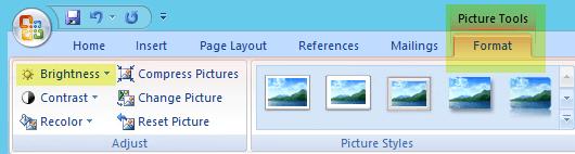 Pada tab format alat gambar, dalam grup Sesuaikan, pilih kecerahan