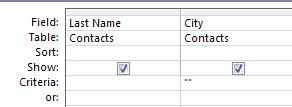 perancang kueri dengan kriteria yang diatur untuk menunjukkan data dengan bidang nilai kosong