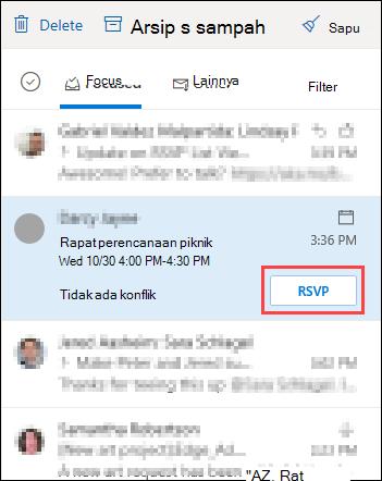 Permintaan Rapat dalam daftar pesan dengan RSVP disorot