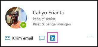 Menampilkan ikon LinkedIn di kartu profil