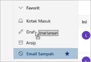 Cuplikan layar memperlihatkan folder diseret ke posisi baru di bawah Favorit