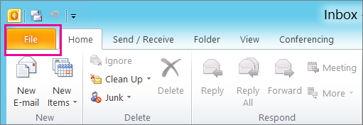 Di Outlook 2010, pilih File tab.