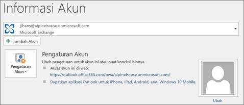 Cuplikan layar memperlihatkan halaman informasi akun Outlook dalam tampilan backstage.